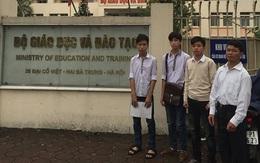 """Ba học sinh bị kỷ luật vì """"tè bậy"""" ở Thái Bình: Sẽ xem lại hình thức, quy trình kỷ luật"""