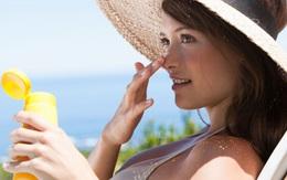 Bị mụn, có nên dùng kem chống nắng?