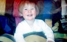 Xót xa bé 21 tháng tuổi bị bỏ đói cả tuần sau đó bị mẹ ruột đánh chết