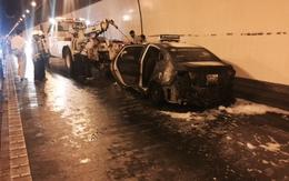 Taxi hãng Thành Công bốc cháy dữ dội trong hầm Hải Vân