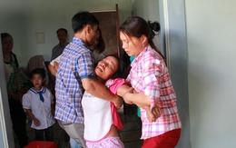 Vụ 3 anh em đuối nước thương tâm: Mẹ trẻ gào khóc bên di ảnh các con
