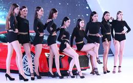 Bỏng mắt với dàn người mẫu chân dài bên những mẫu xe mới của Audi