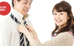"""Các ông chồng Việt có dám đưa hết lương cho vợ rồi cần gì thì """"ngửa tay"""" xin như đàn ông Nhật?"""