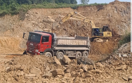 Xã Hòa Thạch (Quốc Oai, Hà Nội): Đất bị múc bán, chính quyền không biết?