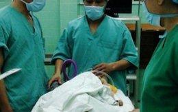 Hải Phòng: Bé gái 9 tháng tuổi được cứu sống khi nuốt chân sạc pin điện thoại vào phế quản