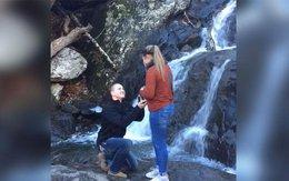 Đưa bạn gái ra thác nước cầu hôn, chàng trai nhận kết cục cười ra nước mắt