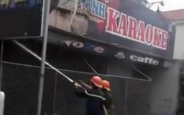 Hải Dương: Cháy quán karaoke khi đang sửa chữa