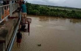 Hải Phòng: Phát hiện người đàn ông thắt cổ tự tử dưới thành cầu