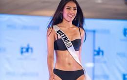 Khoảnh khắc vàng của Nguyễn Thị Loan tại bán kết Miss Universe 2017