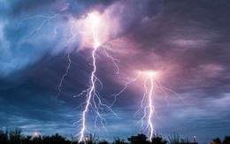 Sét đánh – nỗi kinh hoàng của lưới điện mùa mưa bão