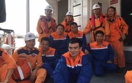 3 tàu hợp sức cứu thành công 12 thuyền viên bị chìm giữa biển Cửa Lò