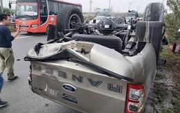 """Ô tô bán tải bị húc lật """"ngửa bụng"""" trên cao tốc Hà Nội - Bắc Giang"""