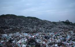 Huyện Vĩnh Tường, Vĩnh Phúc: Cả vạn người kẹt giữa hai bãi rác khổng lồ
