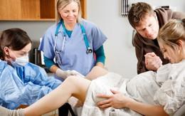 Cuộc chạy đua của bác sĩ hai bệnh viện cứu sống sản phụ bị chảy máu ồ ạt sau sinh và những điều sản phụ cần biết