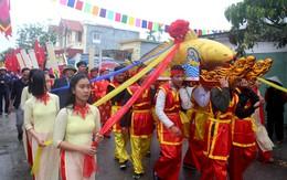Lễ hội độc đáo Hải Phòng: Hàng nghìn người dân rước cá nặng hơn tạ quanh làng