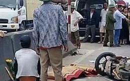 Xe giường nằm tông hai xe máy, 4 người thương vong