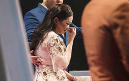 Thần tượng Bolero: 'Hoa hậu Bolero' Như Quỳnh bật khóc nức nở khi phải tự mình loại học trò