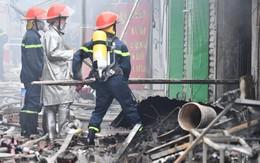 Hà Nội: Cháy lớn tại khu chợ hơn 1000 m2