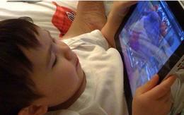 Hội chứng cô đơn giữa gia đình (10): Chứng bệnh lạ trẻ mắc phải khi bố mẹ quẳng cho con chiếc Ipad