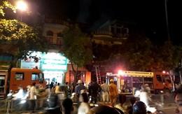 Cháy cửa hàng kinh doanh trong đêm, 3 mẹ con thoát chết