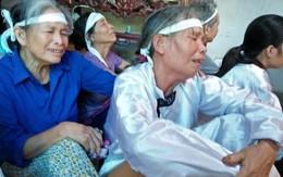Vụ 3 mẹ con thai phụ tử vong dưới gầm xe tải: Đẫm nước mắt tiễn đưa thi thể 3 nạn nhân xấu số