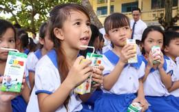 Vinamilk và 76.500 ly sữa nhân ái tới trẻ em tỉnh Vĩnh Long