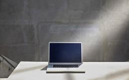 Vì sao bạn nên hạn chế dùng smartphone, laptop khi thời tiết nóng nực?