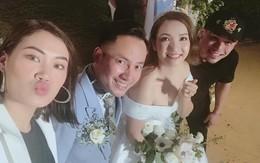 Vợ 9X nhún nhảy theo tiếng hát của Tiến Đạt trong tiệc cưới