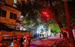 Hà Nội: Giải cứu người đàn ông nằm vắt vẻo trên cây giữa đêm