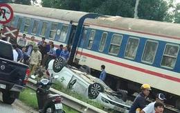 Tàu hỏa húc văng ô tô khiến nữ tài xế tử vong
