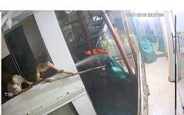 """Hà Nội: Khởi tố vụ án mang gậy sang nhà hàng xóm """"nói chuyện"""""""