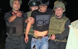 Cảnh sát kể lại giây phút khống chế đối tượng buôn ma túy dùng súng và lựu đạn cố thủ trong xe