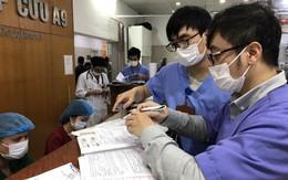 Bác sĩ viện hạng Đặc biệt hi sinh niềm vui sum vầy, lăn xả với bệnh nhân cấp cứu ngày Tết