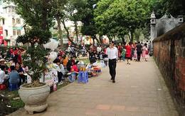 Quán ăn, hàng nước bủa vây khu di tích Văn Miếu - Quốc Tử Giám