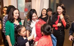Lộ ảnh bạn trai tin đồn ngoại quốc đón sinh nhật cùng diva Hồng Nhung