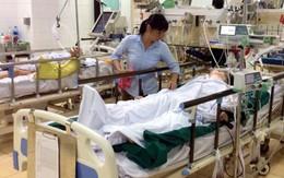 Thiếu nữ bị chấn thương trong vụ tai nạn liên hoàn gầm cầu vượt Mai Dịch vẫn hôn mê sâu