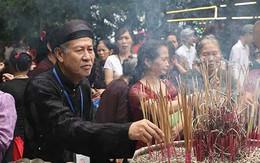 """""""Thí sinh"""" tuổi 60 và những cuộc thi đặc biệt trên núi thiêng Đền Hùng"""