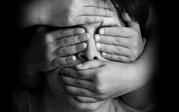 Trẻ bị lạm dụng tình dục không dám nói ra, nhưng những hành vi dưới đây của trẻ sẽ giúp bạn nhận biết được