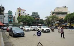 Nhiều phố ở Hà Nội: Người đi bộ nơm nớp nỗi lo mất an toàn giao thông
