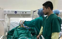 Vừa tỉnh lại, sản phụ ung thư giai đoạn cuối rơi nước mắt khi nhìn ảnh con trai Bình An