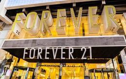 Khi Topshop sụp đổ, Forever 21 khốn đốn vì cửa hàng thời trang online