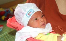 Hải Dương: Phát hiện bé gái sơ sinh bị bỏ rơi trong đêm trước cổng chùa Tranh