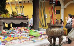 Nhiều người dùng bài thơ song thất lục bát của đại thi hào Nguyễn Du làm bài văn khấn cô hồn