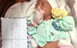 Xót xa bé trai sơ sinh ở Hải Dương bỏ rơi trong đêm với dòng chữ viết vội nhờ người nuôi giúp