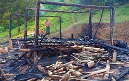 Người mẹ bất chấp ngọn lửa ôm 3 con nhỏ tháo chạy khỏi căn nhà bị cháy