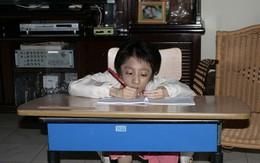 """Khâm phục nghị lực cô tân sinh viên bị bệnh """"xương thủy tinh"""", chỉ nặng 12kg"""