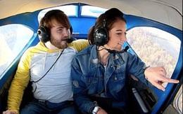 Thuê máy bay đưa bạn gái lên trời, chàng trai có màn cầu hôn siêu lãng mạn