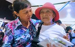 Cái Tết hạnh phúc của chị ve chai sau 44 năm xa mẹ
