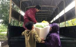 Người dân Hà Tĩnh sát cánh bên nhau trong những ngày bão lụt