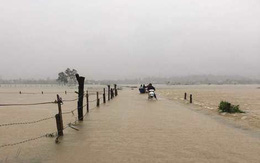 Nghệ An: Mưa lớn cộng với thủy điện xả lũ, dân chạy lụt trong đêm